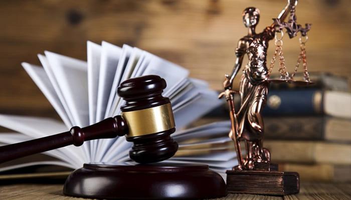 банки подают в суд